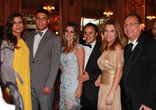Paula Morais, Ronaldo, Raffaela Massa, Felipe Massa, Désirée Soares, Galvão Bueno e Ramon Reis (Foto: Marie-Laure Briane/Divulgação)