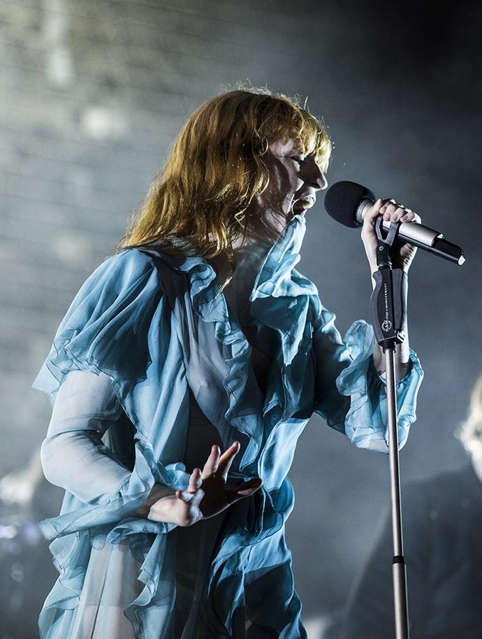 Florence e sua banda empolgam com sucessos (Foto: Raphael Dias/Gshow)