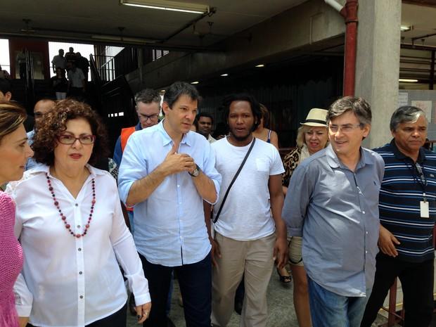 O prefeito Fernando Haddad em visita a um CEU na Brasilândia (Foto: Márcio Pinho/G1)