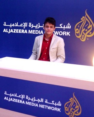 André Lucas durante uma breve participação na edição especial do Jornal Aljazeera no Catar (Foto: André Lucas/ Arquivo pessoal)
