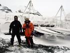 Pai e filho dividem experiências em pesquisas ambientais na Antártica