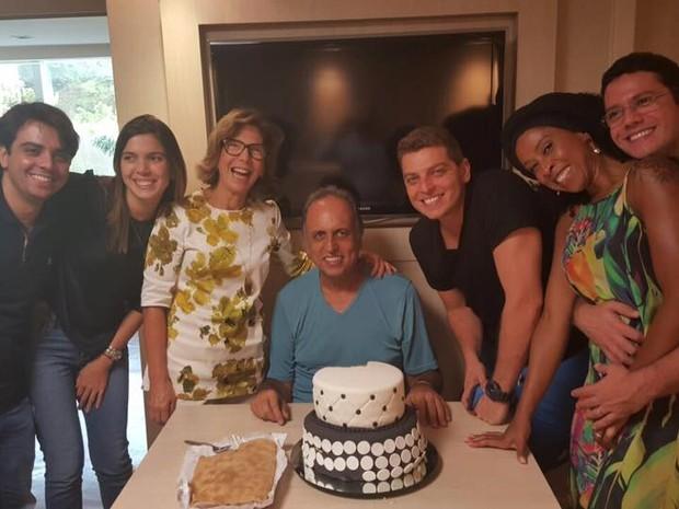 Pezão passa aniversário em hospital no Rio (Foto: Reprodução/Facebook)