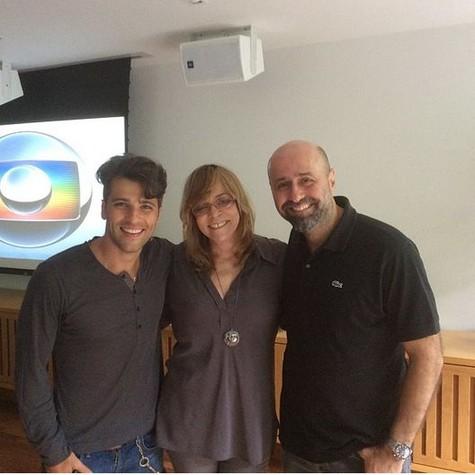Gagliasso, com Glória Perez e Mauro Mendonça Filho (Foto: Reprodução)