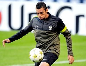 Lucio no treino do Juventus (Foto: AFP)