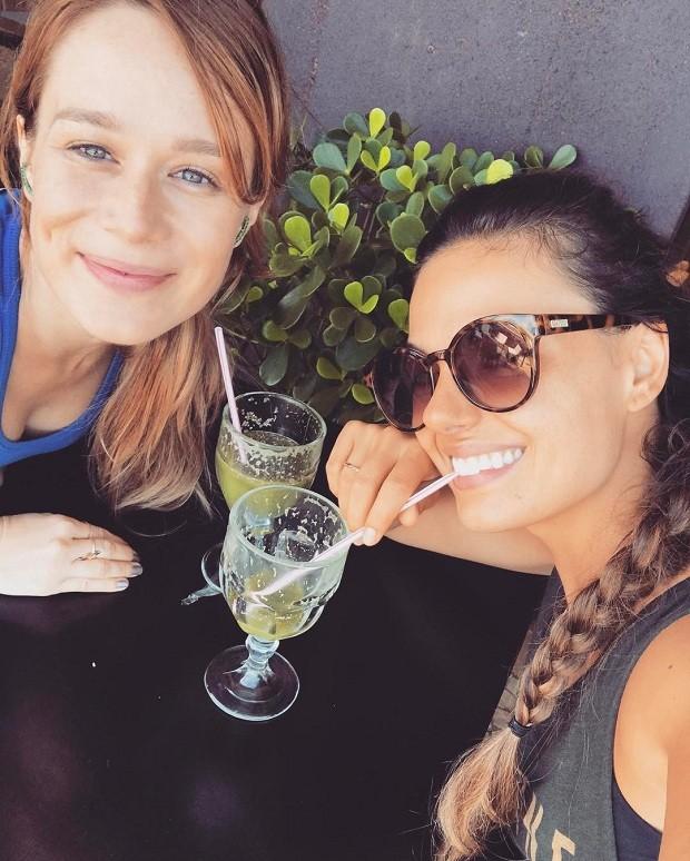 Mariana Ximenes e Isis Valverde (Foto: Instagram / Reprodução)