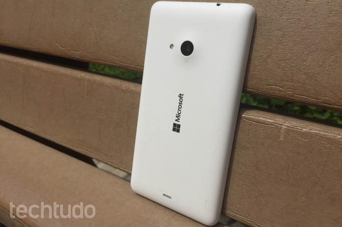Lumia 535 é uma boa opção entre os smartphones baratinhos (Foto: Lucas Mendes/TechTudo)