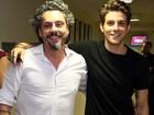 Alexandre Nero e Chay Suede trocam de papéis em vídeo (Carol Caminha/Gshow)
