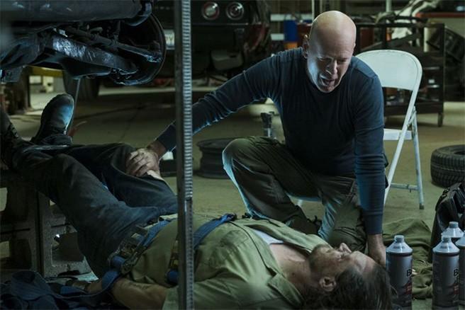 Bruce Willis em cena de 'Death Wish' (Foto: Divulgação)