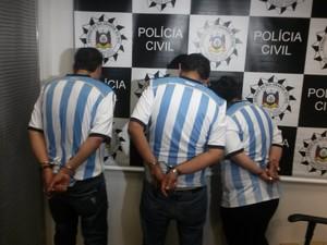 Grupo argentino era acusado de furto em frente a um hotel de Porto Alegre (Foto: Josmar Leite/RBS TV)