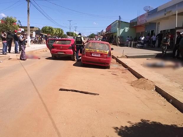 Três ladrões foram mortos na frente da cooperativa (Foto: Alan Jones da Silva/ Arquivo Pessoal)