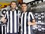 """Torres gêmeas: Botafogo apresenta """"gigantes"""" Joel Carli e Emerson"""