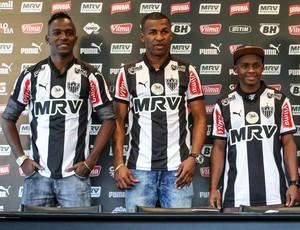 Hyuri, Erazo e Cazares são apresentados no Atlético-MG pelo presidente Daniel Nepomuceno (Foto: Bruno Cantini/ Flickr Atlético-MG)