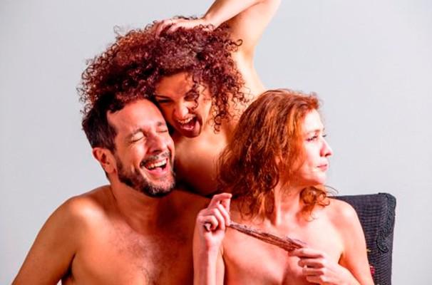 Inês Aranha, Bia Toledo e Germano Melo formam o elenco do espetáculo (Foto: Divulgação)