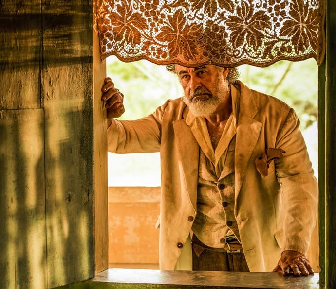 Carlos Betão vai interpretar Aracaçu, parceiro de negócios de Jacinto, papel de Tarcísio Meira, e pai de Leonor, personagem de Marina Nery (Foto: Caiuá Franco/ Globo)