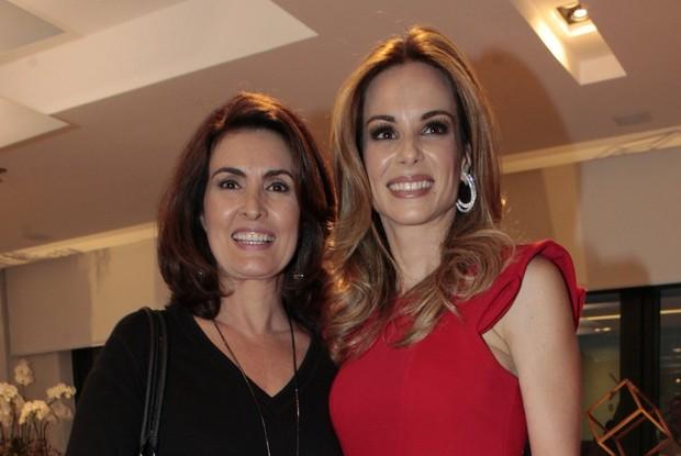 Fátima Bernardes e Ana Furtado (Foto: Isac Luz / EGO)