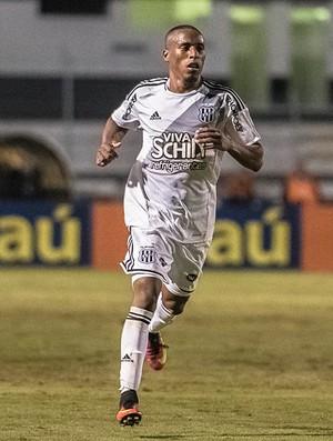 Jeferson, lateral-direito da Ponte Preta (Foto: Fabio Leoni/ PontePress)