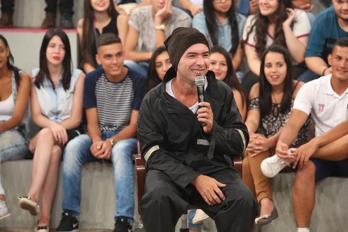 Jackson Faive em sua participação no 'Altas Horas' (Foto: Carol Caminha/Gshow)