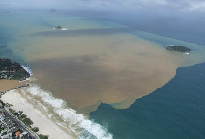 Poluição avança na região do Quebra-Mar e Postinho da Barra (Foto: Mário Moscatelli/OlhoVerde)
