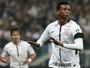 Jô ou Mandzukic? Atacante corintiano leva melhor pintura com gol acrobático