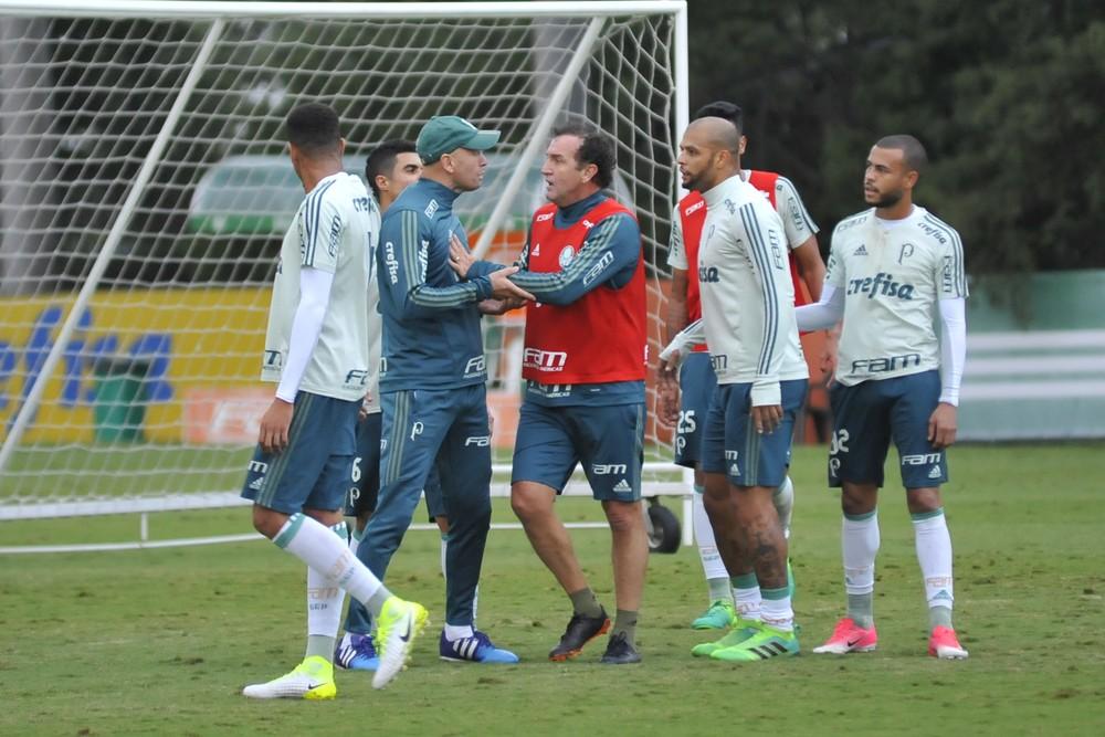 Rachão no Palmeiras termina em discussão entre Felipe Melo, Cuca e preparador