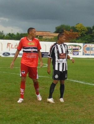 Toni, atacante do Cori-Sabbá (Foto: Floriano News)