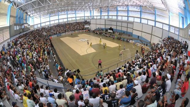 Ginásio Augusto Franco em Aracaju lotado para a final da Copa TV Sergipe de Futsal (Foto: Jorge Henrique/TV Sergipe/Divulgação)