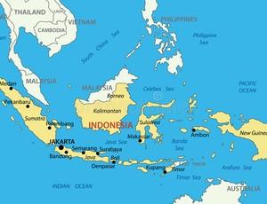 BLOG: Na mosca: Trio aponta para Indonésia e ganha tubos de presente