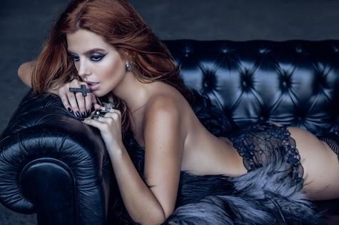 """Giovanna Lancellotti na revista """"VIP"""" (Foto: André Nicolau)"""