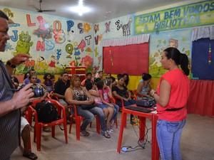 Pais e alunos conheceram o projeto Mais cultura nas escolas, do governo federal (Foto: Fabiana Figueiredo/G1)