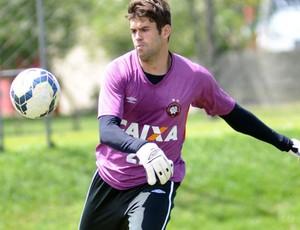Alexandre Cajuru Atlético-PR (Foto: Divulgação/ Site oficial Atlético-PR)