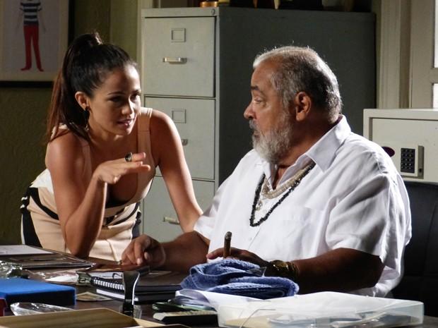 Tuane convence Antoninho  (Foto: Tatiana Machado/ Gshow)