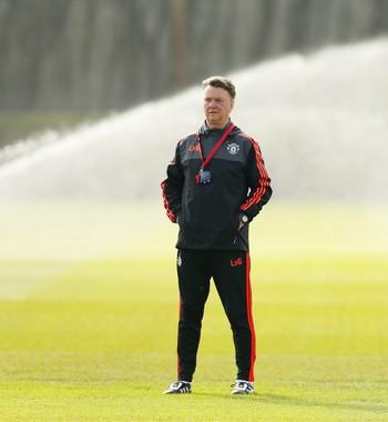 Van Gaal treino Manchester United (Foto:  Reuters / Jason Cairnduff)