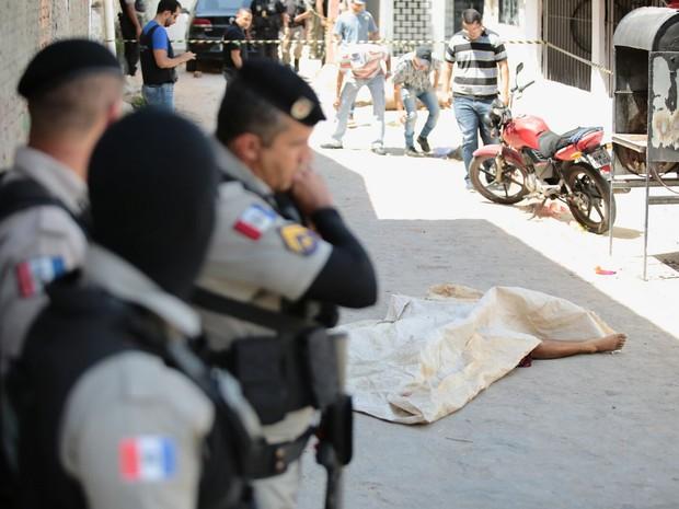 Militares foram assassinados a tiros no Barro Duro (Foto: Jonathan Lins/G1)