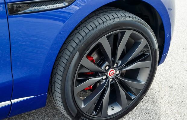 Jaguar F-Pace First Edition tem rodas de 22 polegadas (Foto: Divulgação)