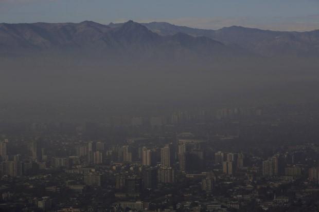 Poluição em Santiago, no Chile, nesta segunda (22) (Foto: Ueslei Marcelino/Reuters)