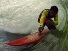Surfista cai de onda em Regência, ES, e é internado