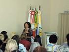 Palestra reflete sobre relação entre pais e filhos em Pouso Alegre, MG