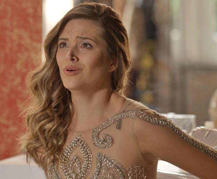 Cassandra fica chocada com a vingança da Eliza! (Foto: TV Globo)