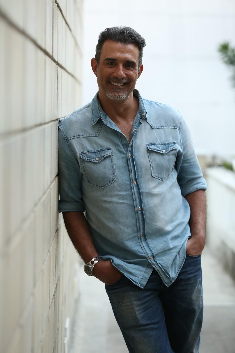 Marcos Pasquim investe em look todo jeans (Foto: Isabella Pinheiro/Gshow)