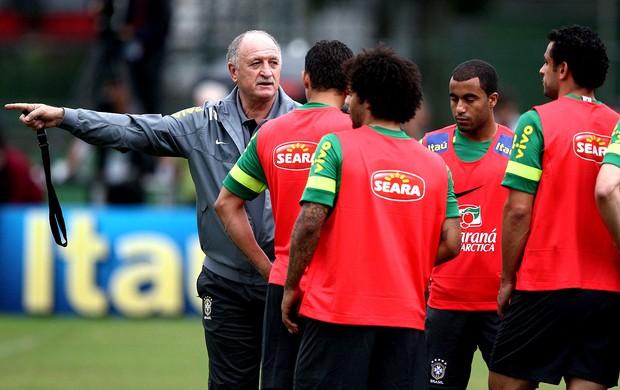 Felipão treino seleção brasileira Família (Foto: Mowa Press)
