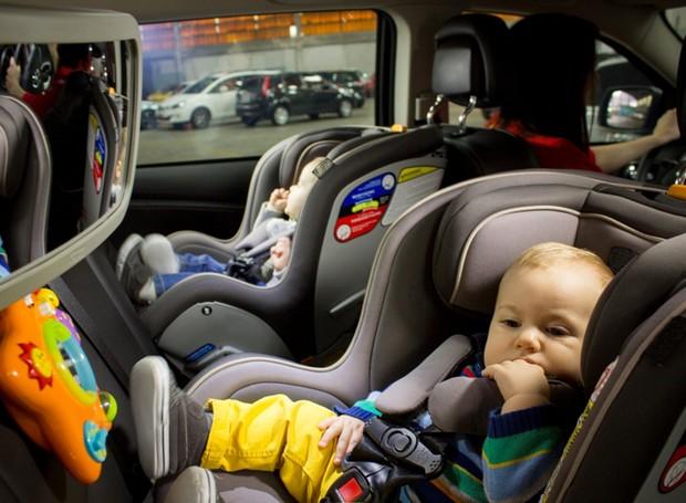 9b0ad59197 Acessórios para o carro que ajudam no conforto de filhos e pais ...