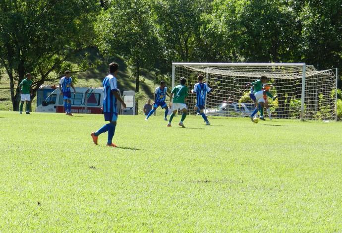 Uberlândia e Cassimiro de Abreu pela seletiva do Campeonato Mineiro (Foto: Carolina Portilho/GLOBOESPORTE.COM)