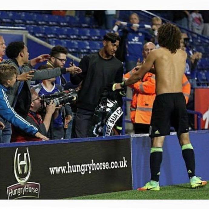 BLOG: Zagueiro David Luiz relata encontro marcante com torcedor do Chelsea