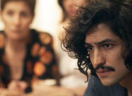 Gustavo pede a benção de Renato para namoro com Rimena