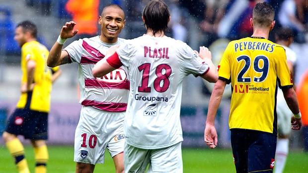 Jussie e Plasil, Sochaux x Bordeaux (Foto: AFP)
