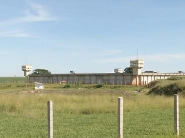 Em Lavínia, presídio será construído ao lado do atual (Foto: Reprodução/ TV TEM)