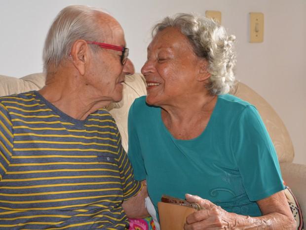 Casal vai comemorar o aniversário de casamento com recepção em igreja (Foto: Marcello Carvalho/G1)