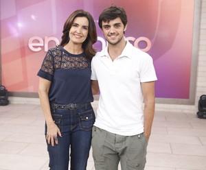 Fátima e Felipe Simas no 'Encontro' (Foto: Fabiano Battaglin/Gshow)