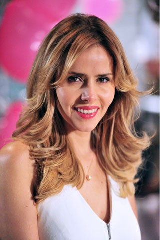 Leona Cavalli está com o cabelo mais longo para novela (Foto: TV Globo / João Miguel Júnior)