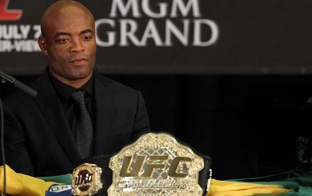 Anderson Silva entrevista UFC (Foto: Getty Images)